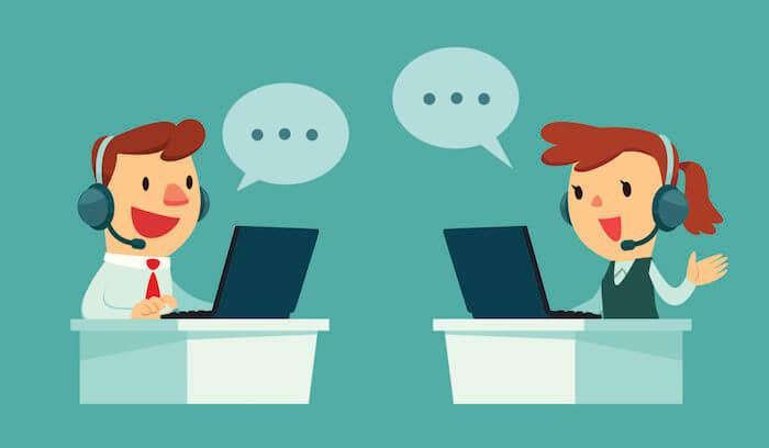 オンライン英会話をする男女